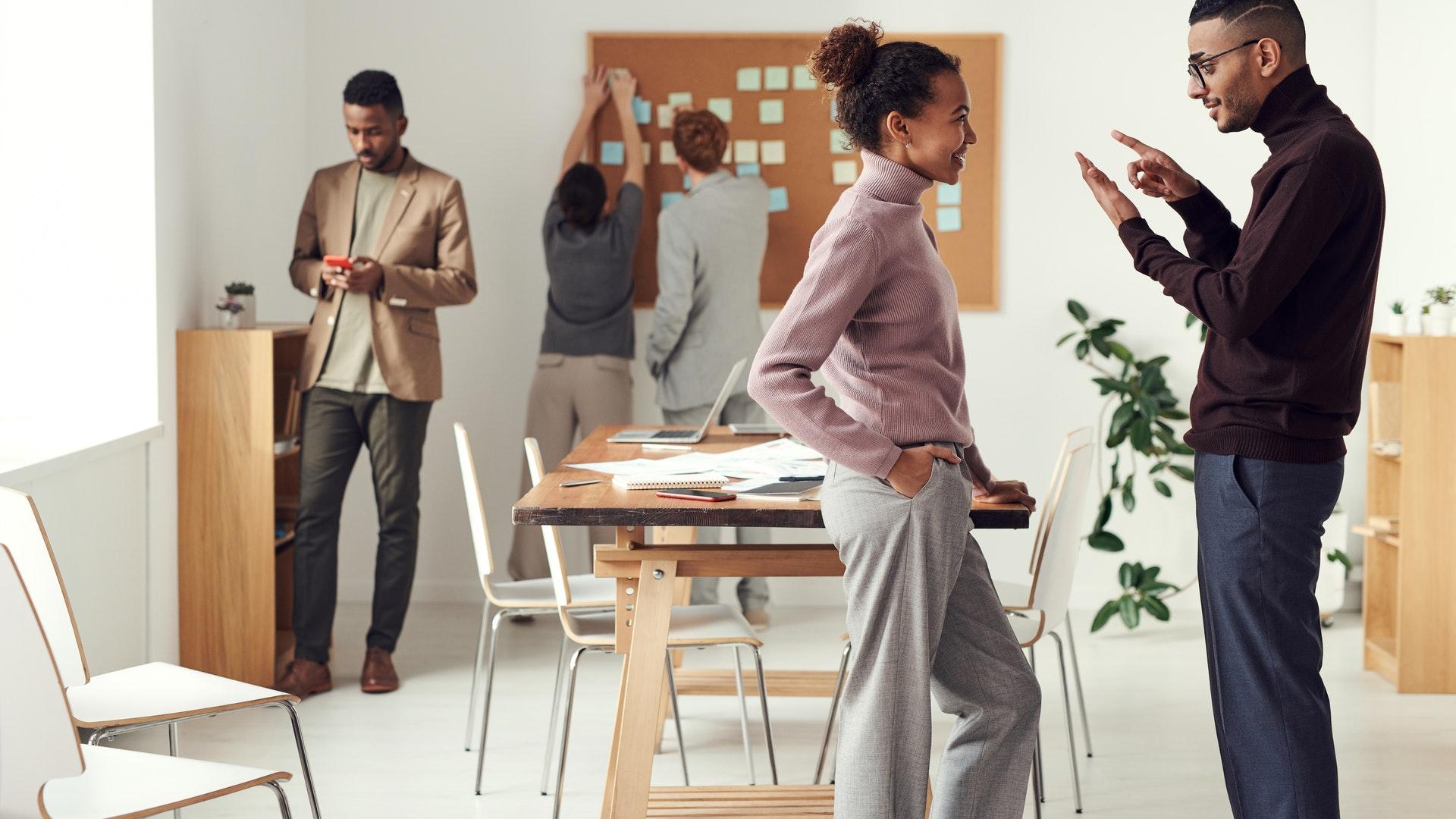 強化溝通技巧 提升你的職場好感度